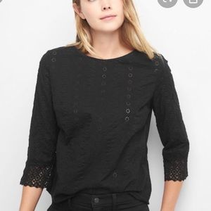 Gap Eyelet Top Size XL New with tag